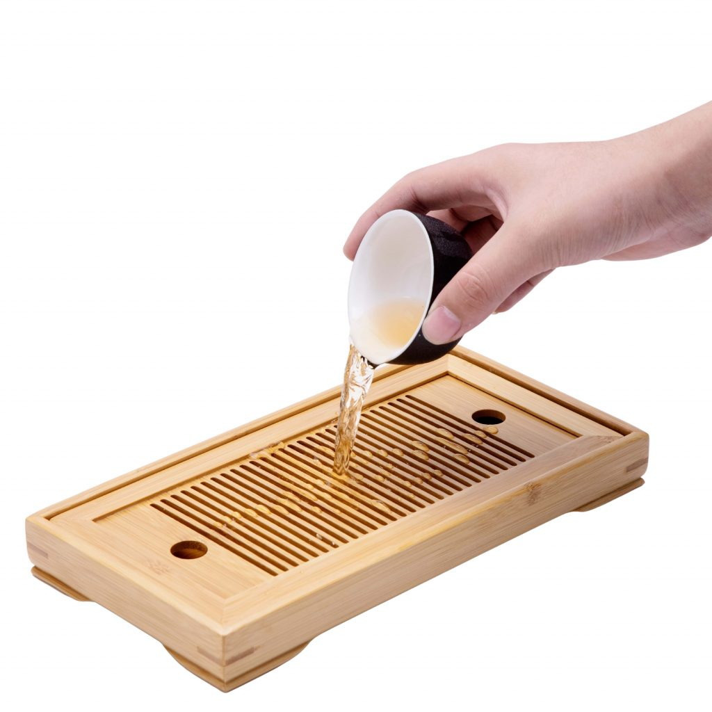 Tea tray for excess tea water
